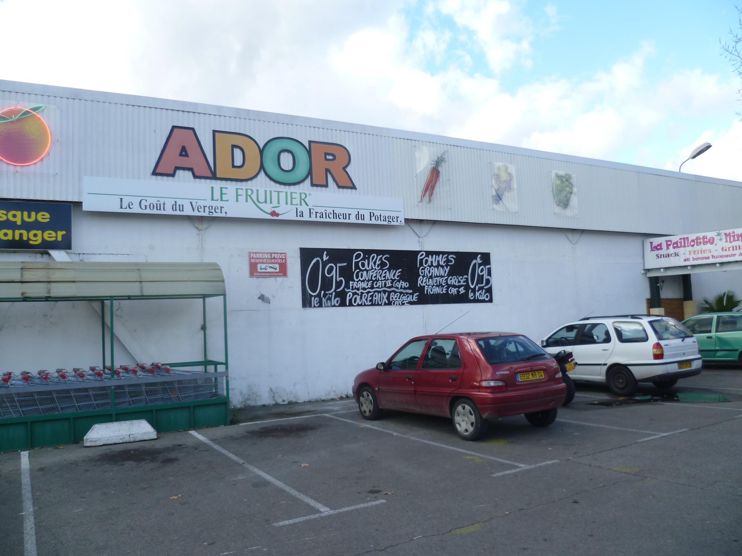 Création d'un magasin Ador Fruits à Nîmes par l'agence d'Architecture Brayer-Hugon